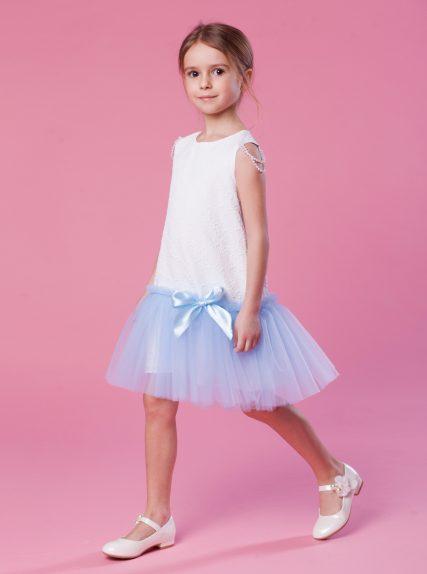 Платье с бусинами голубое