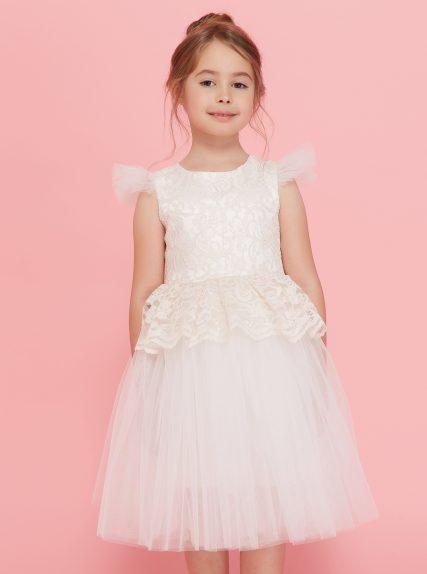 Платье из гипюра с баской белое