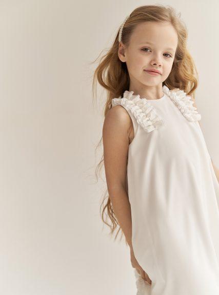 Платье с рюшами молочное
