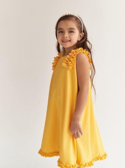 Платье с рюшами желтое