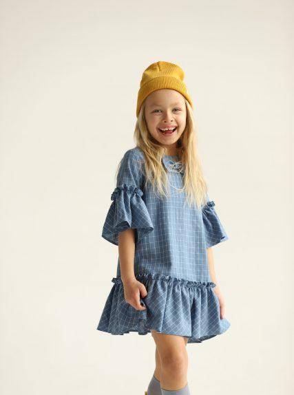 Платье в клеточку с бантиком голубое