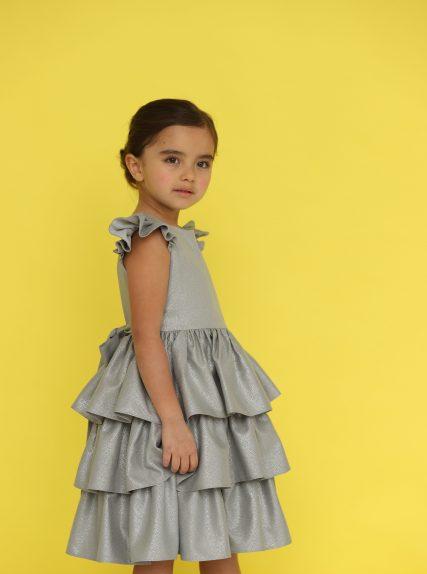 Платье из блестящей ткани серое