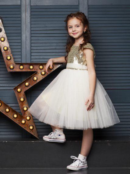 Платье из пайеток золотое