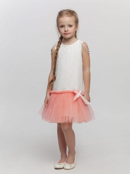 Платье с бусинами персиковое