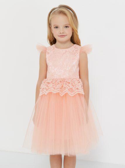 Платье из гипюра с баской персиковое