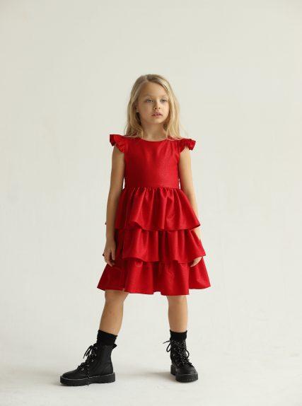 Платье из блестящей ткани красное